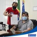 CÂMARA FAZ DOAÇÃO DE UM VEÍCULO AO PODER EXECUTIVO MUNICIPAL